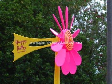 Pink Daisy vane 1 - Happy Daisy Windvane