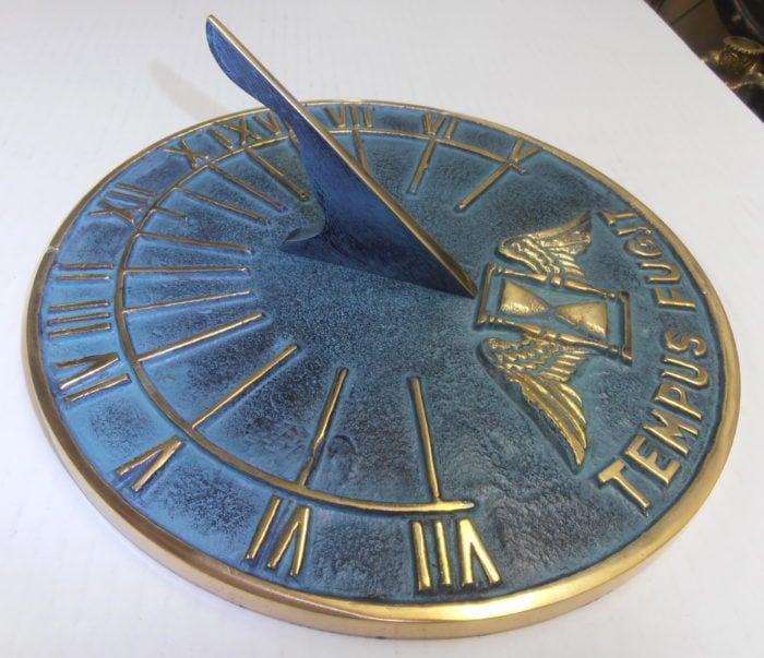 SDRA6 g 700x603 - Round Hourglass Antiqued Sundial