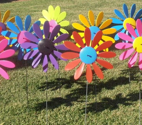 Spinning Happy Daisies 6 023 e1427436656960 500x439 - Spinning Happy Daisy Assembled (Bulk 25 units)