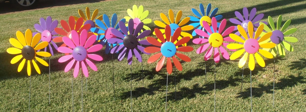 Spinning Happy Daisies 6 023 e1427436656960 - Happy Daisy Windvane